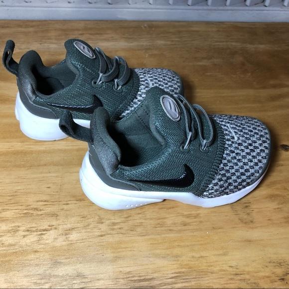 a8841993447c Nike 6C Toddler Presto Fly Pull On Sneaker Gray  M 5cacf3bcbb22e394c9e6b0cf